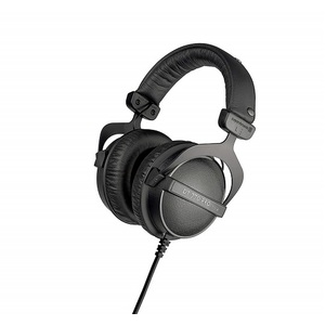 Griffith Student pack - Ultimate Headphone & 1TB